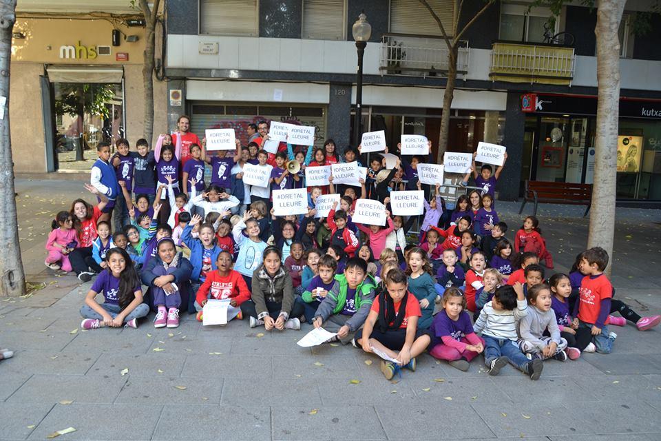 20 N – L'Esplai Xino – Xano i les escoles de Farigola del Clot i Mirelletes al carrer