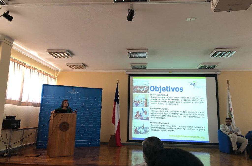 Francis Valverde, vice-presidenta de La Liga Iberoamericana presente en el Seminario :»Desafíos y tensiones entre ONG y Estado en la gestión de Servicios Sociales» Chile.